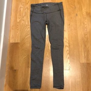 Gap grey striped leggings